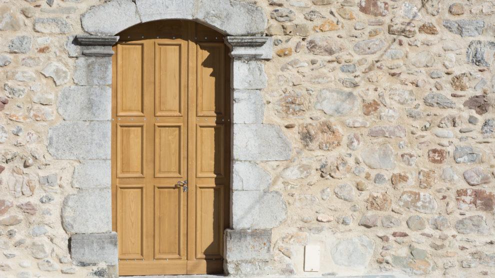 Porte de l'église de Nibles